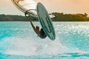 windsurfer bonaire lac bay